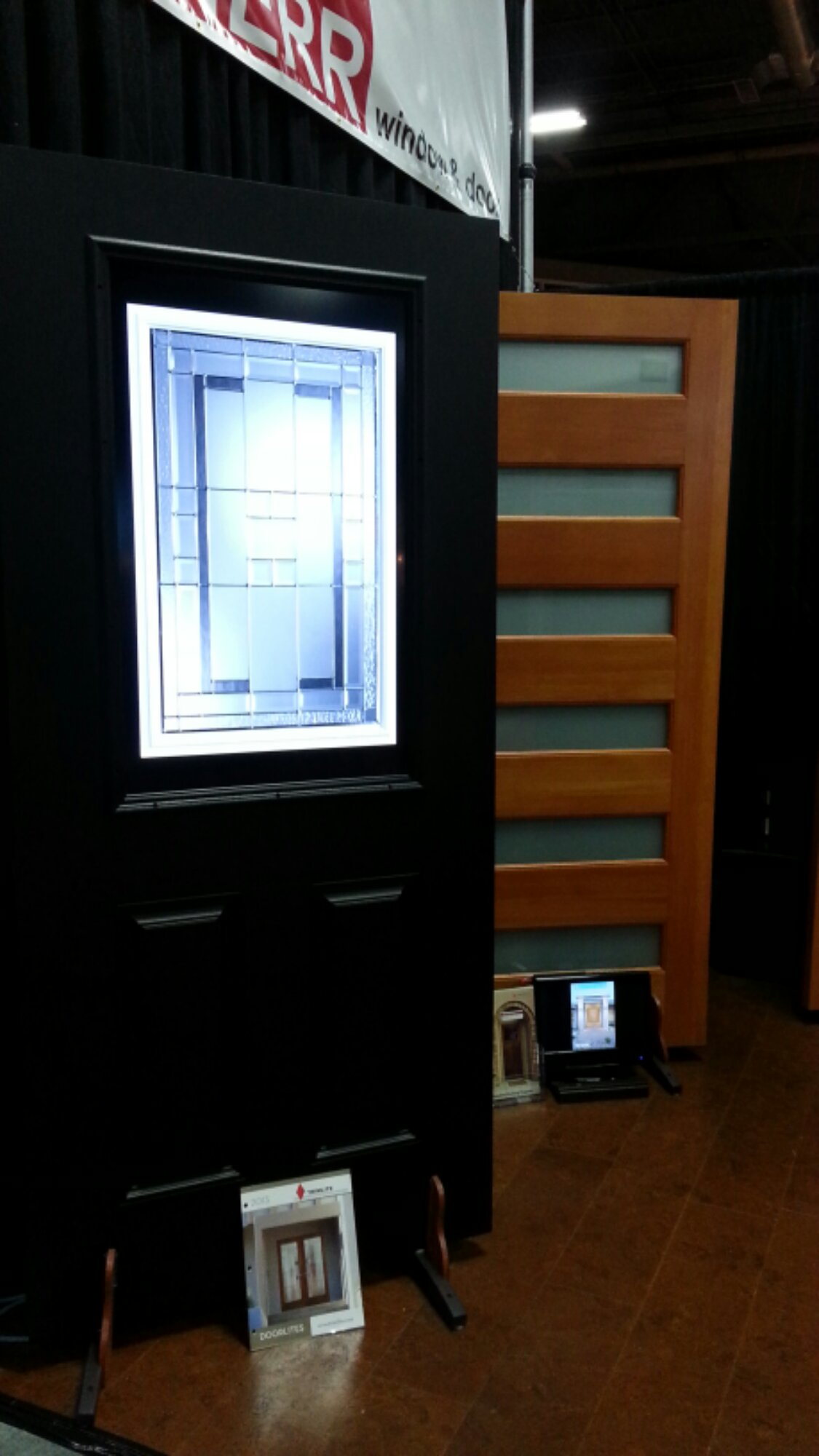 Interactive door lite display